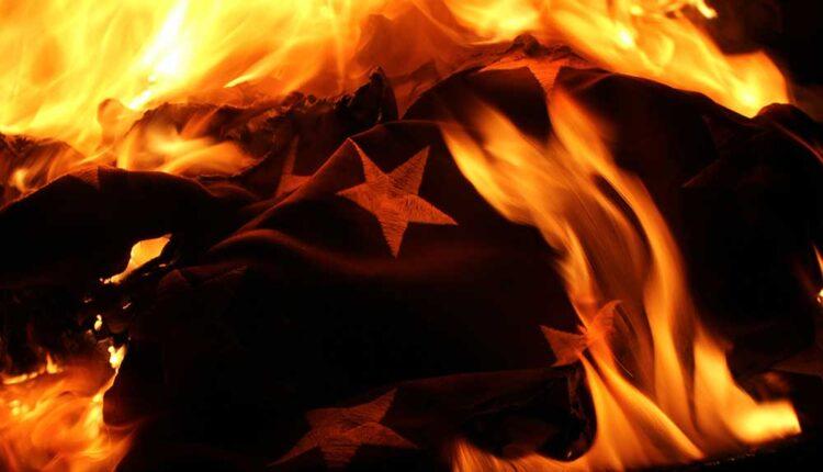 United-States-of-America-Flag-burning-America-American.jpg