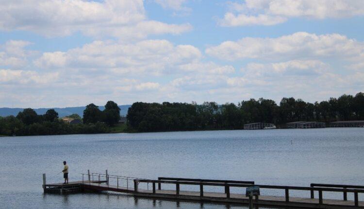 Lake-at-Winchester-TN.jpg