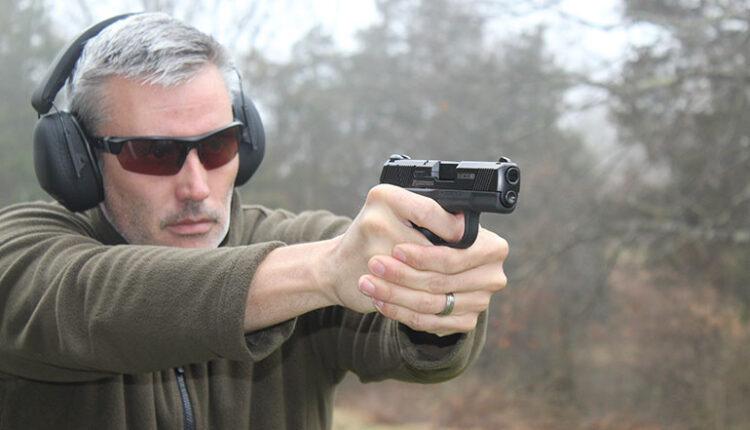 HG-defense-pistol-under500-770.jpg