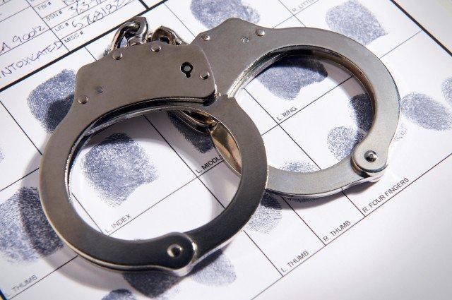 handcuffs-13-3-1-16-1-3-1.jpg