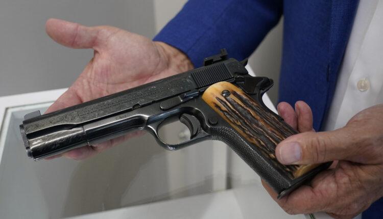 1634218493_Al-Capones-belongings-sell-for-more-than-3-million.jpg
